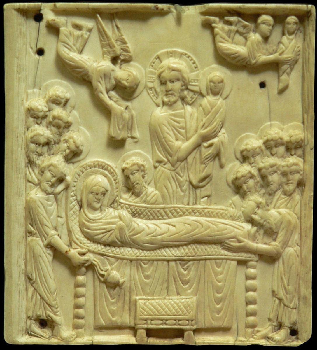 A tenth century dormition plaque
