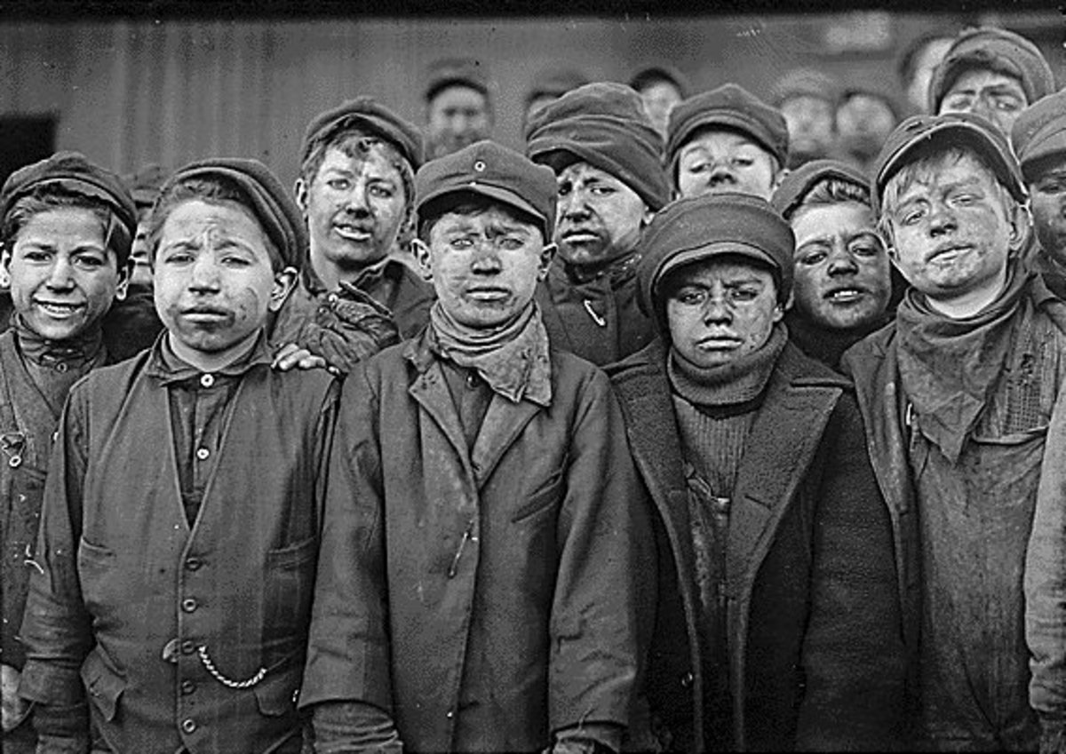 photo of child laborers during the Industrial Revolution