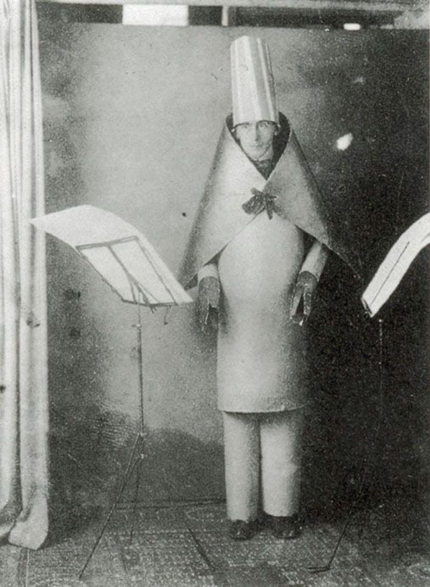 Hugo Ball, founder of Cabaret Voltaire, performs in 1916.