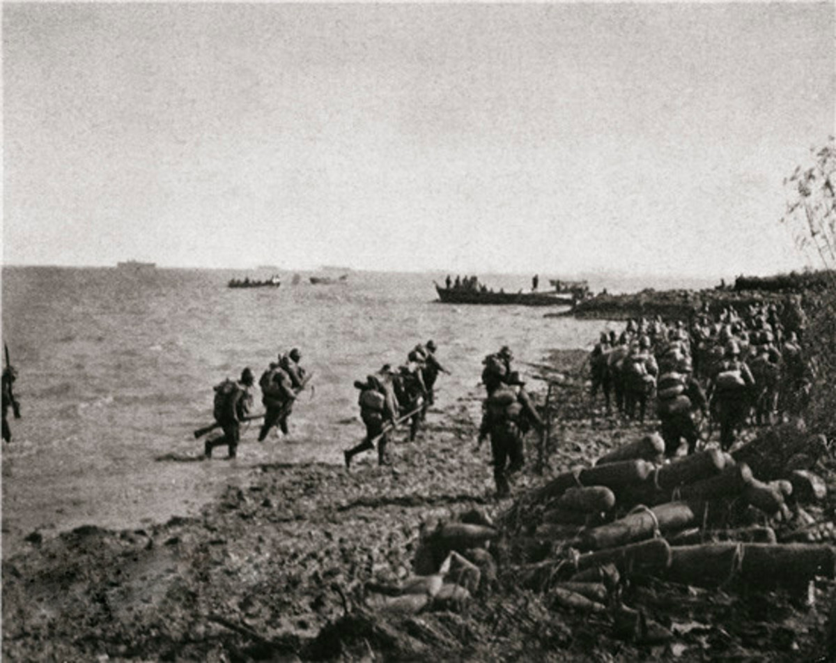 Japanese forces attacking Shanghai in November 1937.