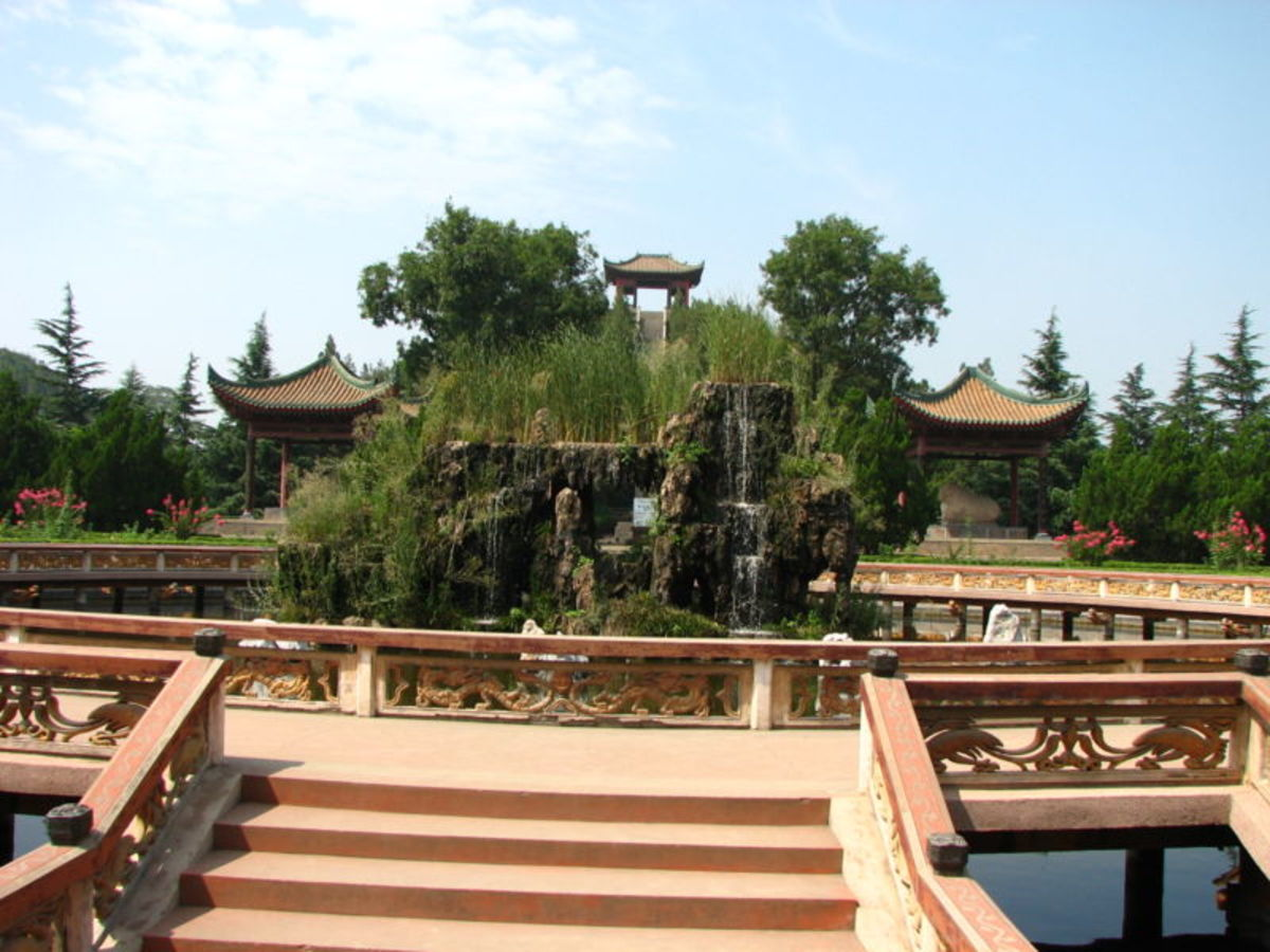 Tombs from the Han Dynasty