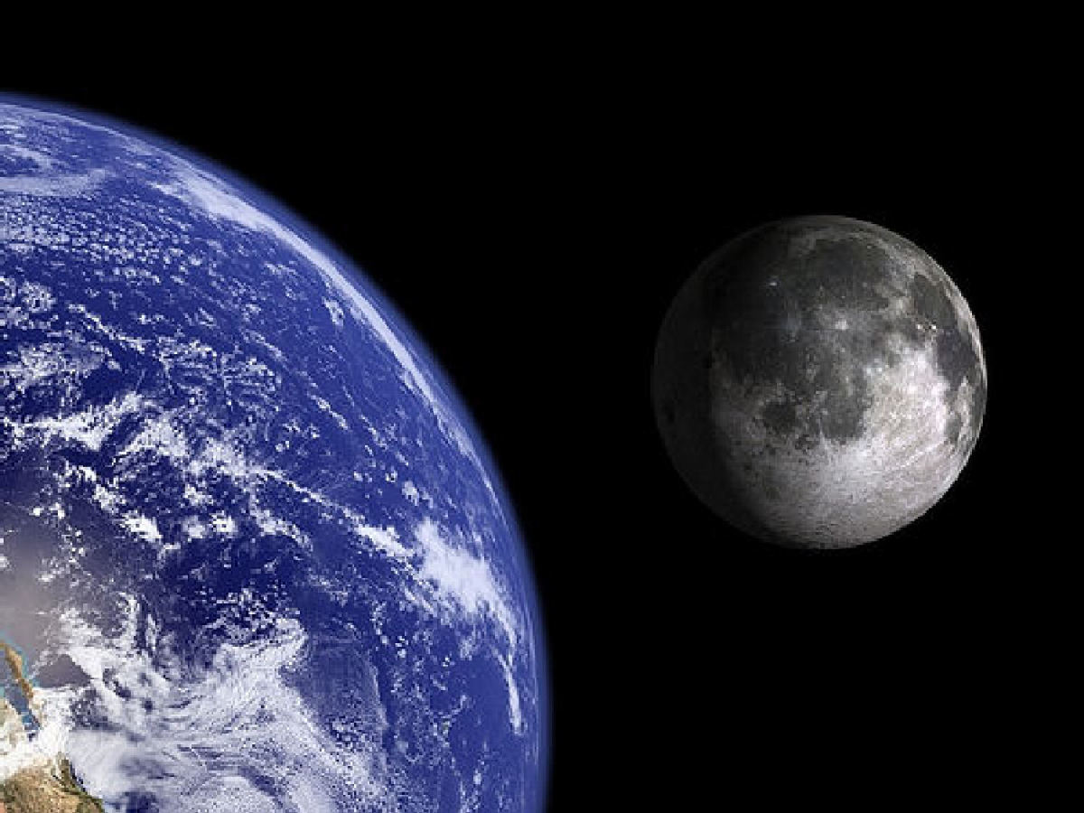 Comparison between earth and moon