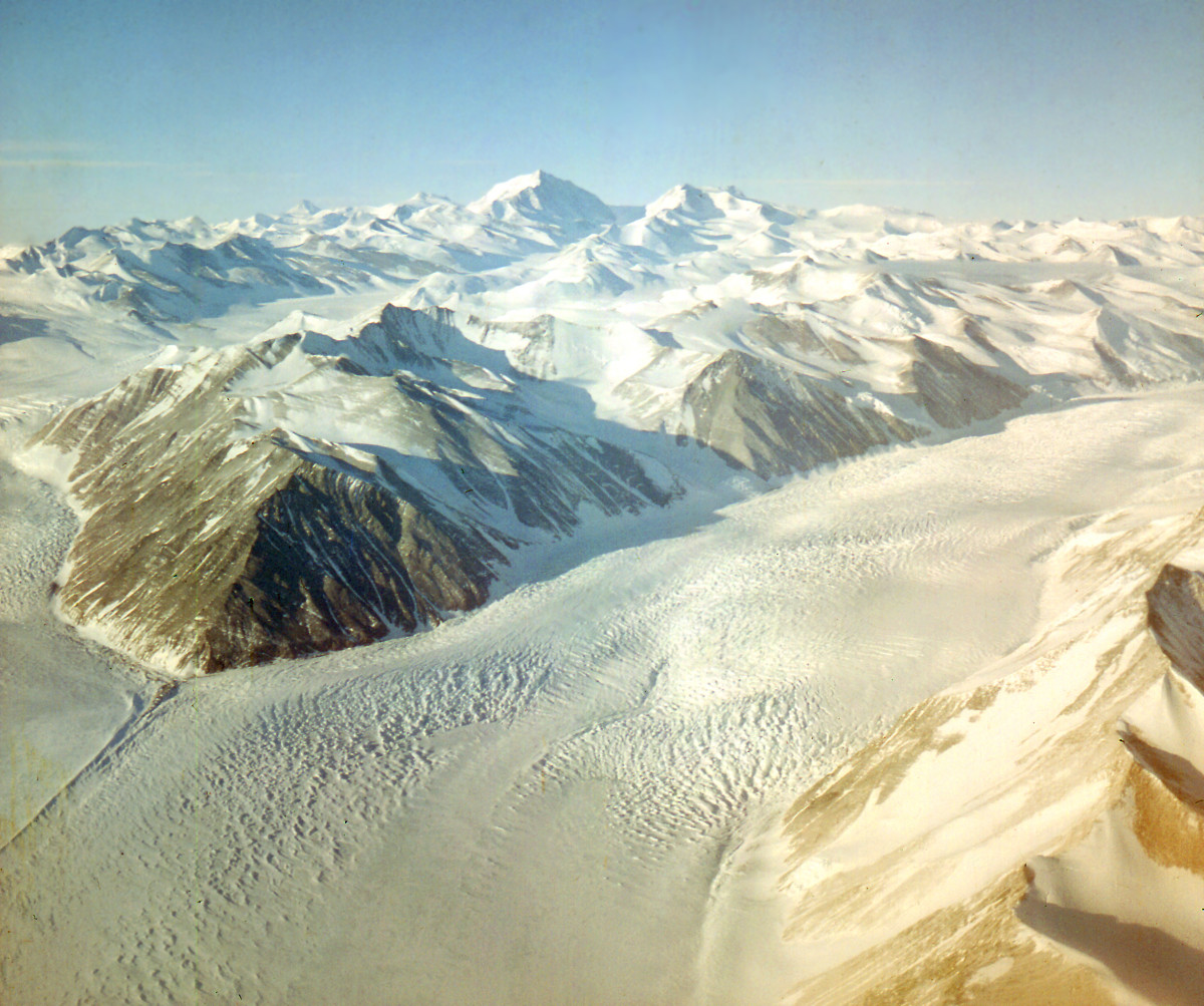The Ernest Shackleton and Robert Scott expeditions walked onto the Polar Plateau on the Beardmore Glacier.