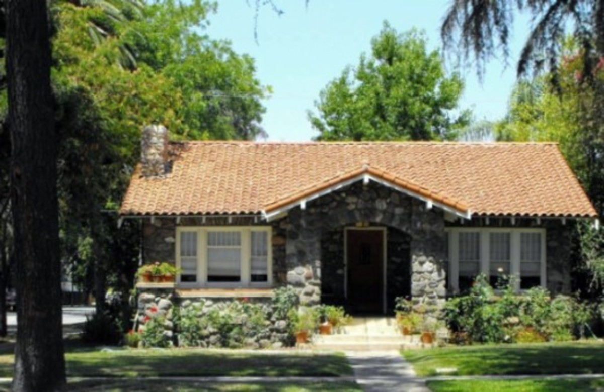 This River Rock Home was built in the early 20th century and is located in La Verne, California. It is constructed of river rocks.