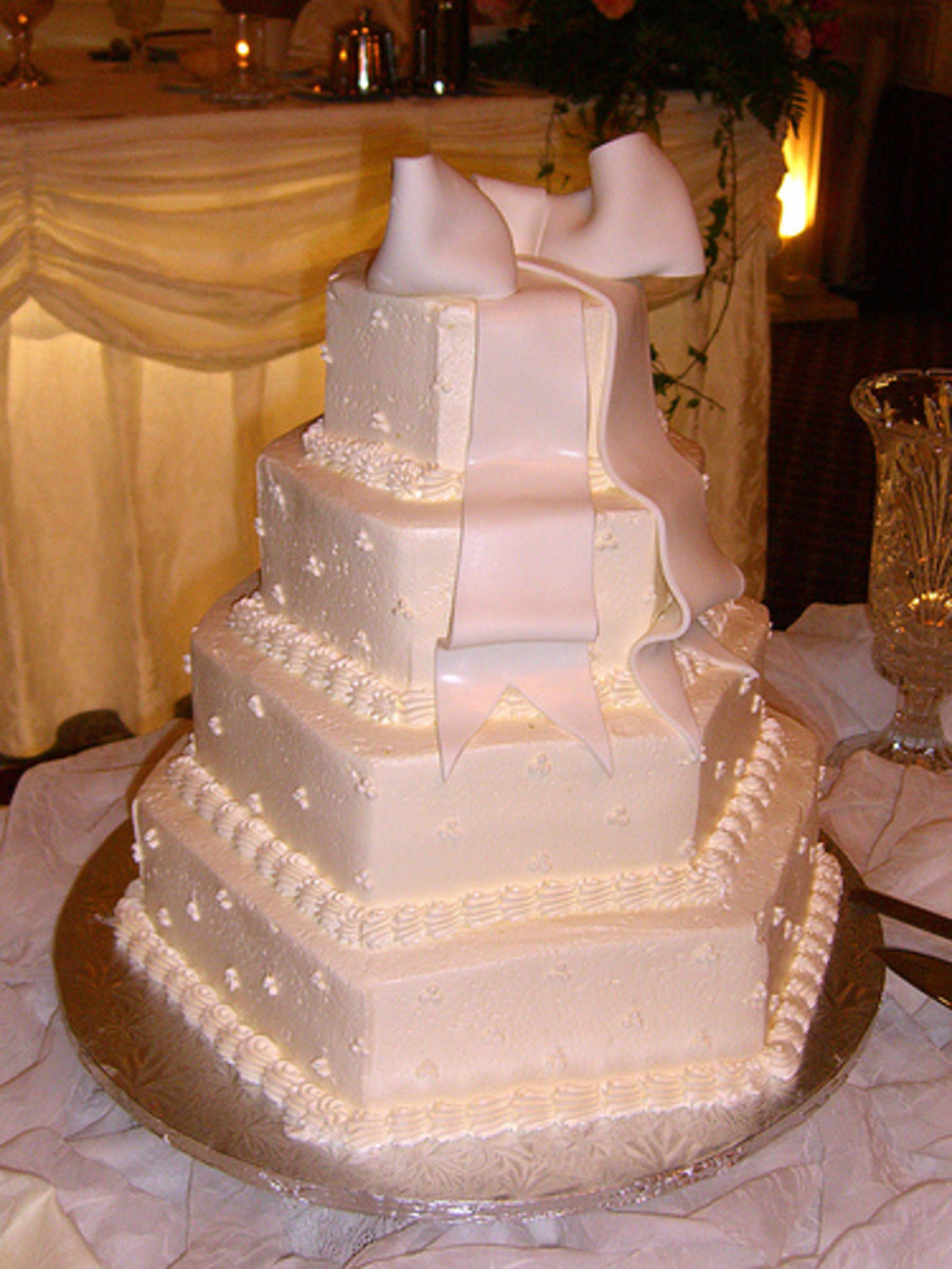 white wedding cakes images a brief history of wedding cakes traditional to 27386