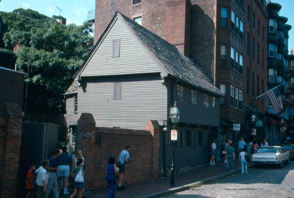 The Paul Revere House in Boston, c. 1680. Reputedly the oldest house in the city.
