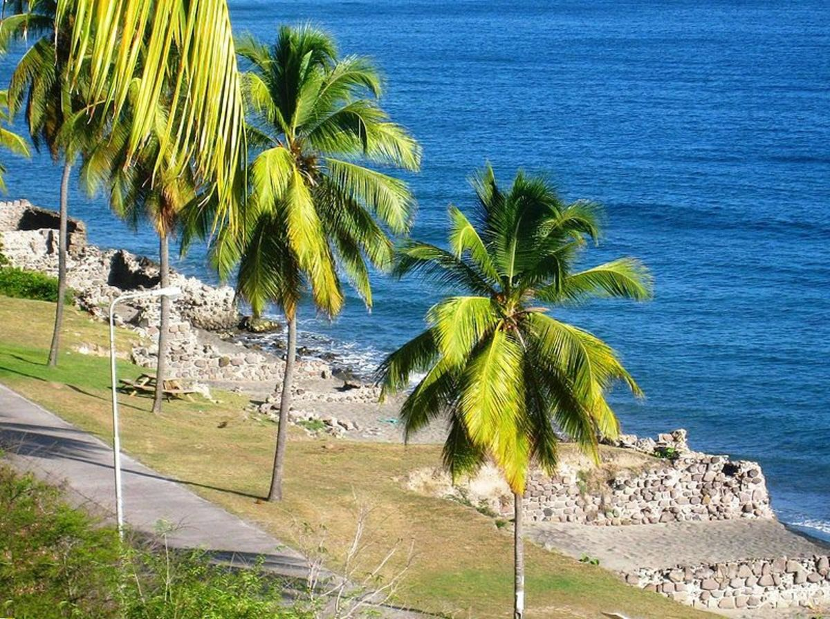 The warehouses on the beach of Sint Eustatius, whose foundations are seen here, were destroyed during the The Great Hurricane of 1780.