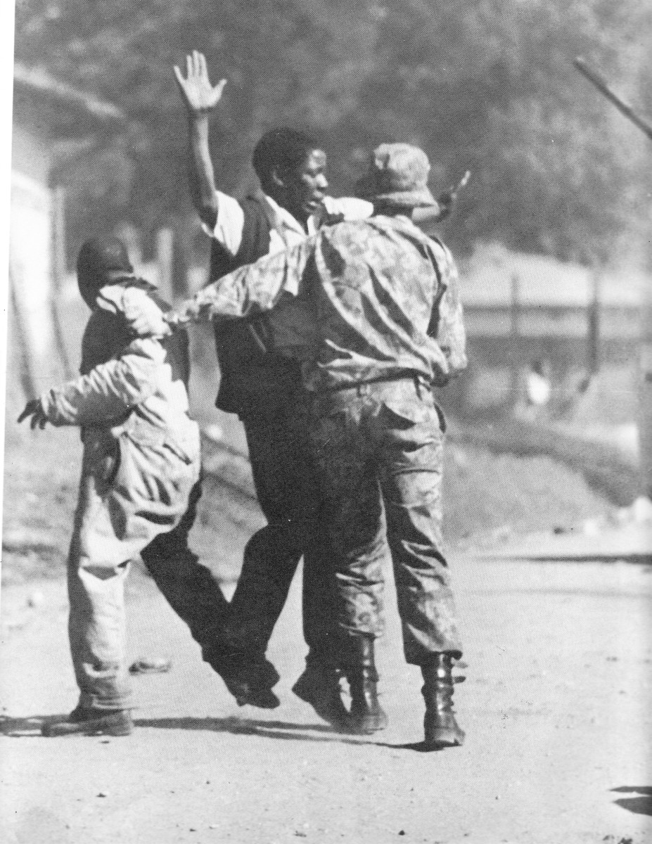 Shakedown and arrest of protesters in June 1976 police round ops