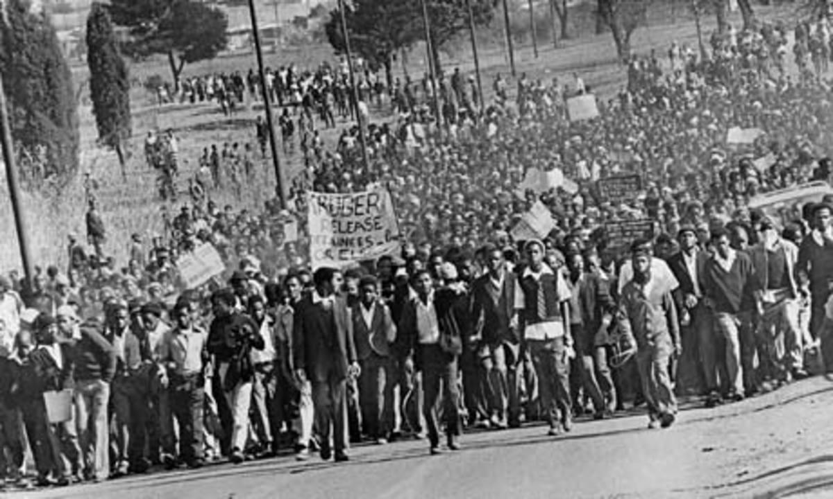 Demonstrators in Cape Town demanding release of political detainees