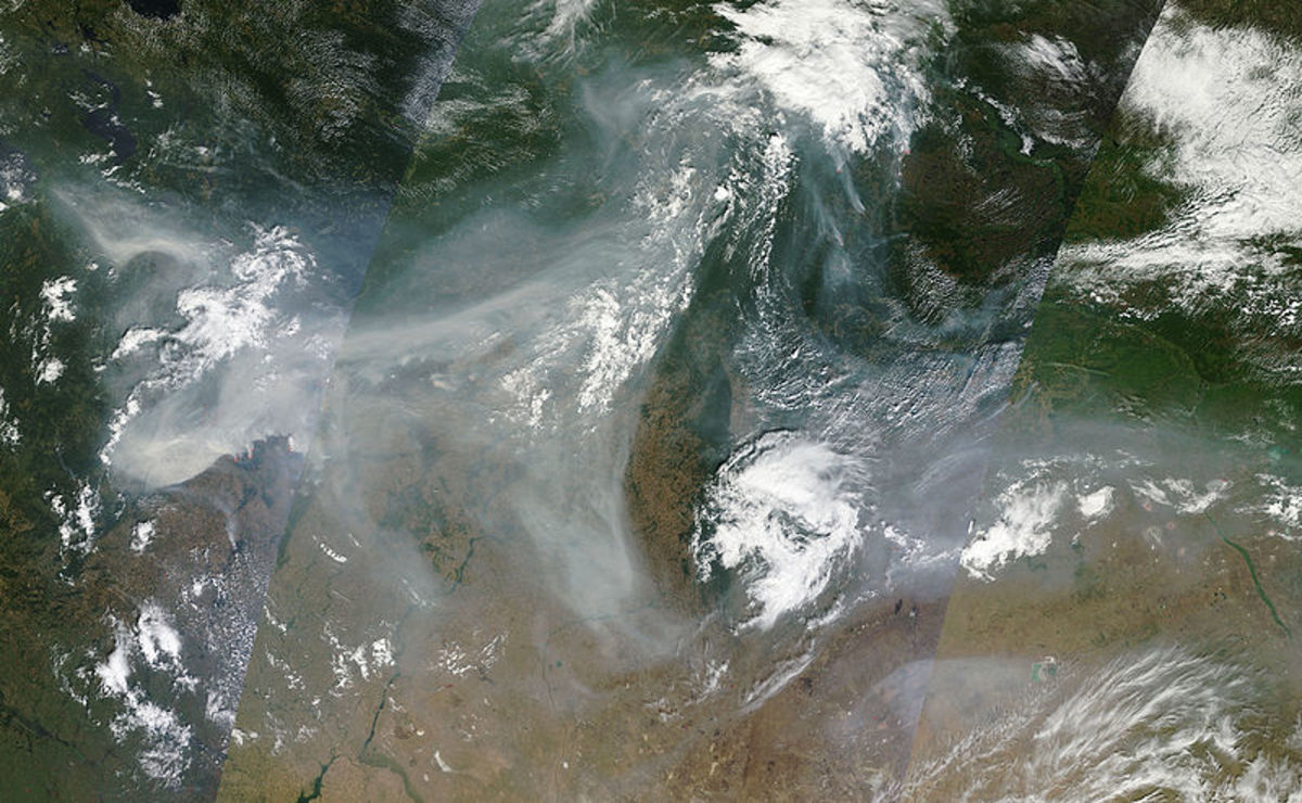 MODIS satellite image of smoke plume from the 2010 Russian wildfires.  The plume trails about 3,000 kilometers.  Image courtesy NASA.