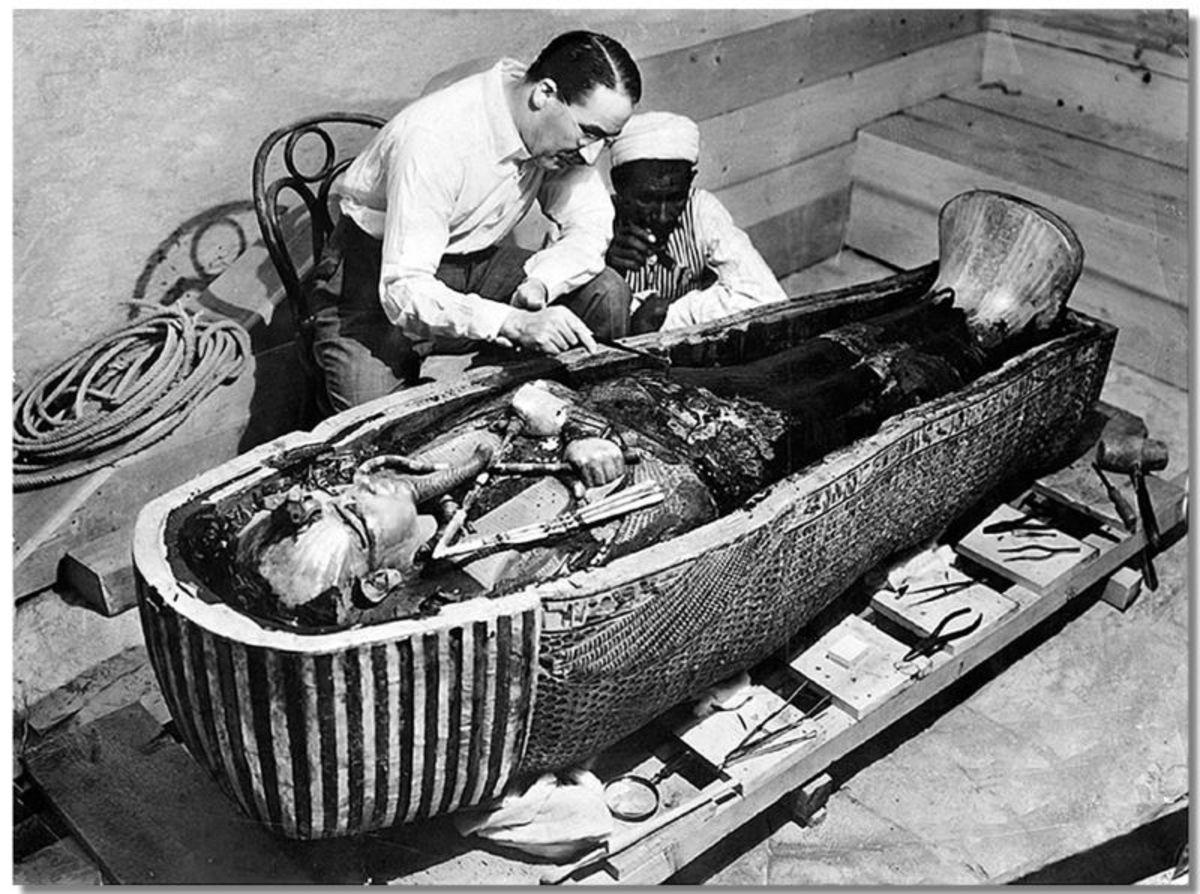 Tutankhamun's mummy being examined
