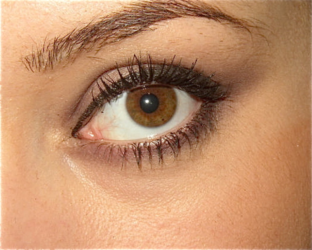 Atropine dilates the pupils of the eyes.