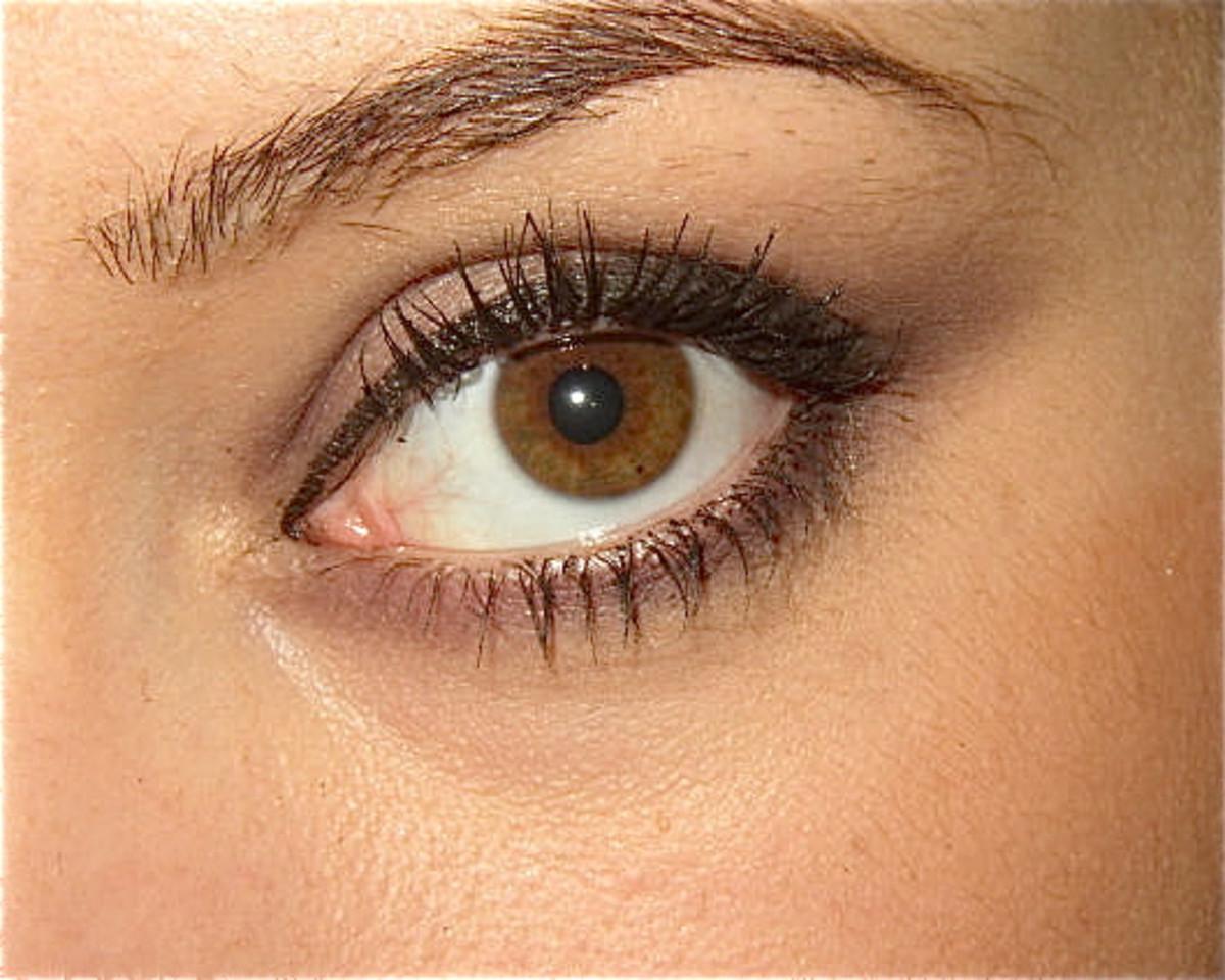 Atropine dilates the pupils of the eyes.