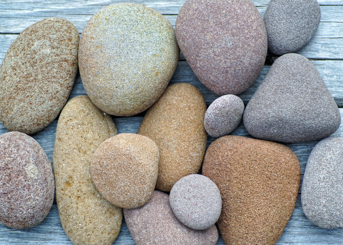 Sandstone variety of colors found on Pier Cove Beach