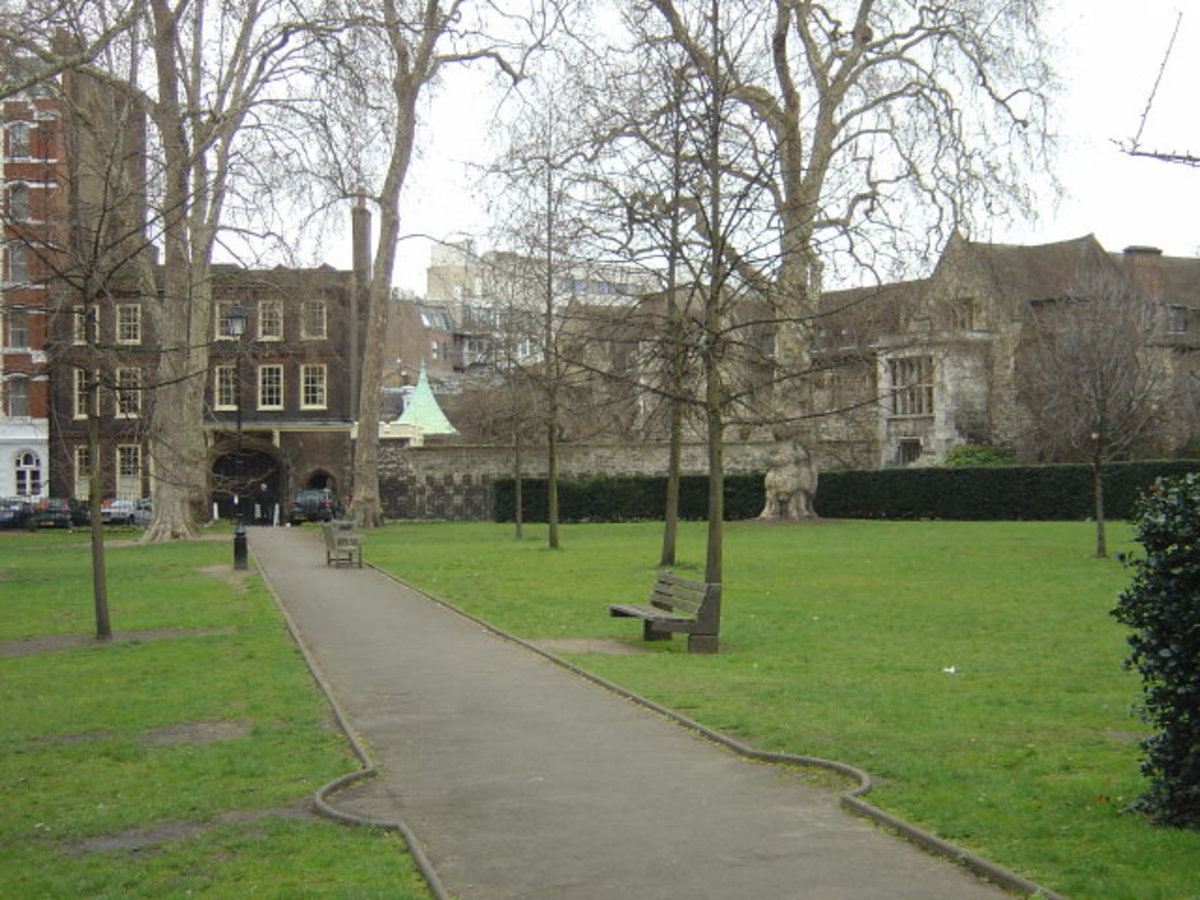 Charterhouse Square - site of the plague pit from the Black Death