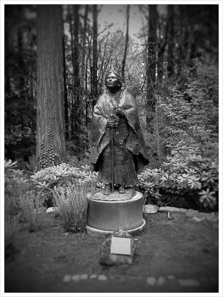 Sacagawea statue at Lewis & Clark College