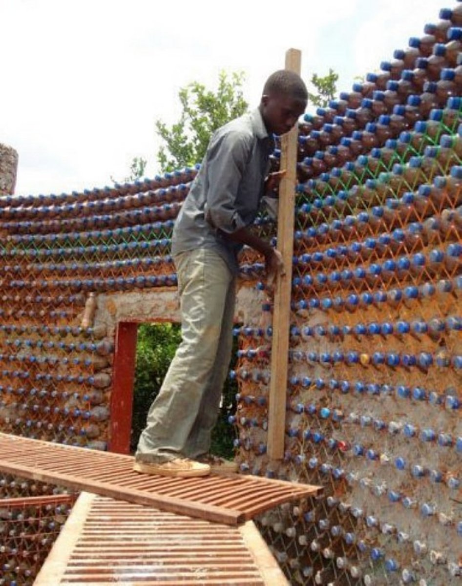 building a plastic PET Bottle house