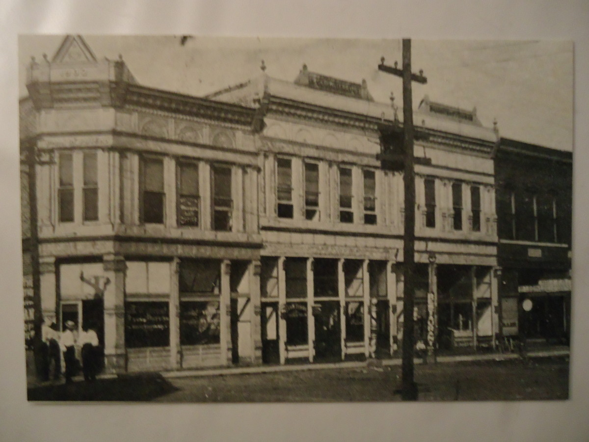 The old Location of the Central National Bank in Poteau