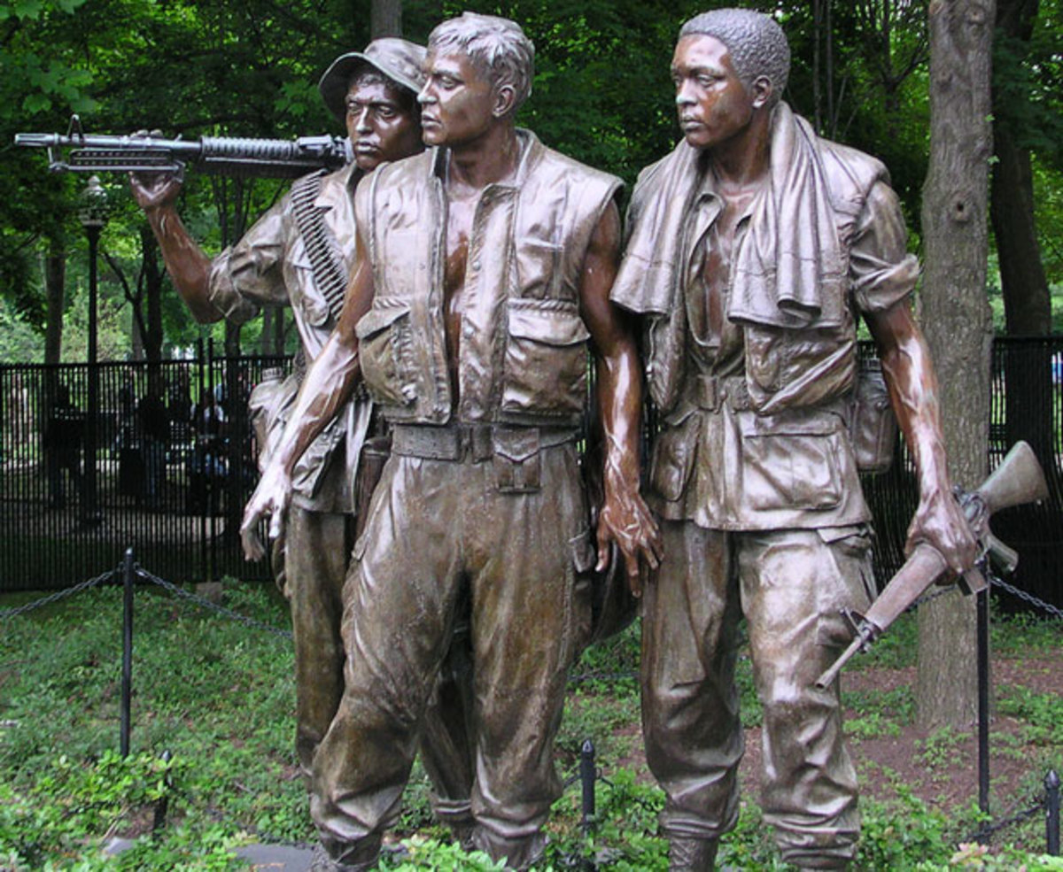 Website offering information about DC memorials