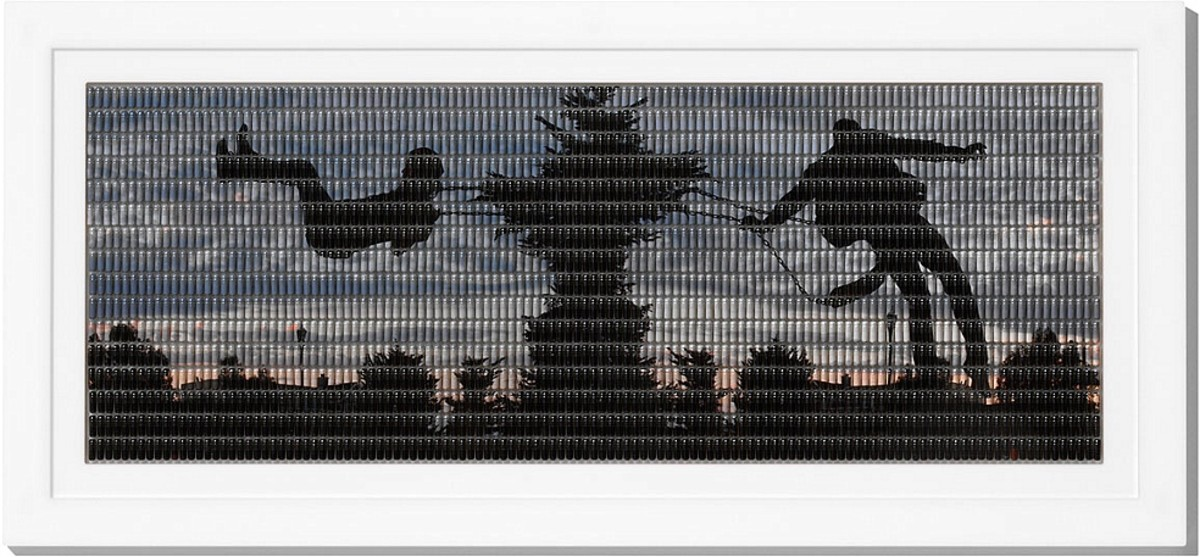 """Hope,"" Andy Diaz, 2006 (Digital photograph reassembled in pill capsules.)"