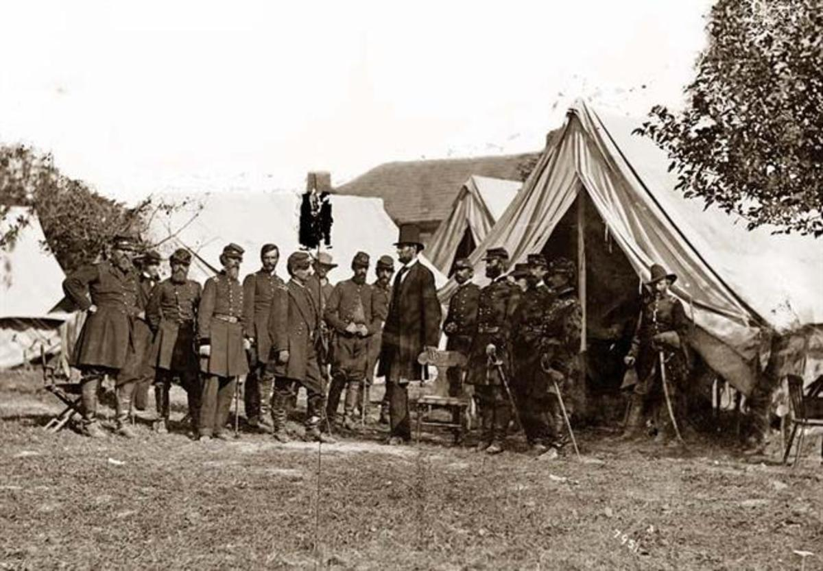 Lincoln with General George B. McClellan at Antietam, Maryland. Picture taken by Alexander Gardner in 1862.