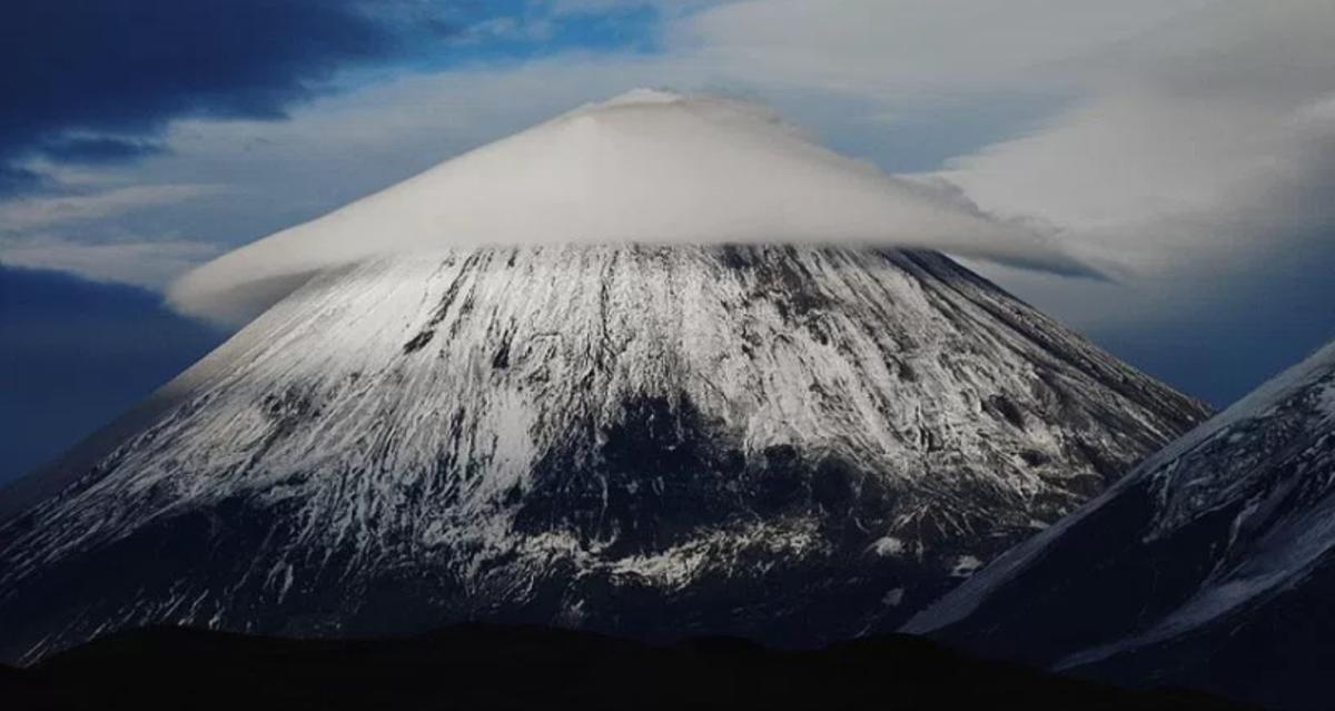 Lentcular cloud over a mountaintop