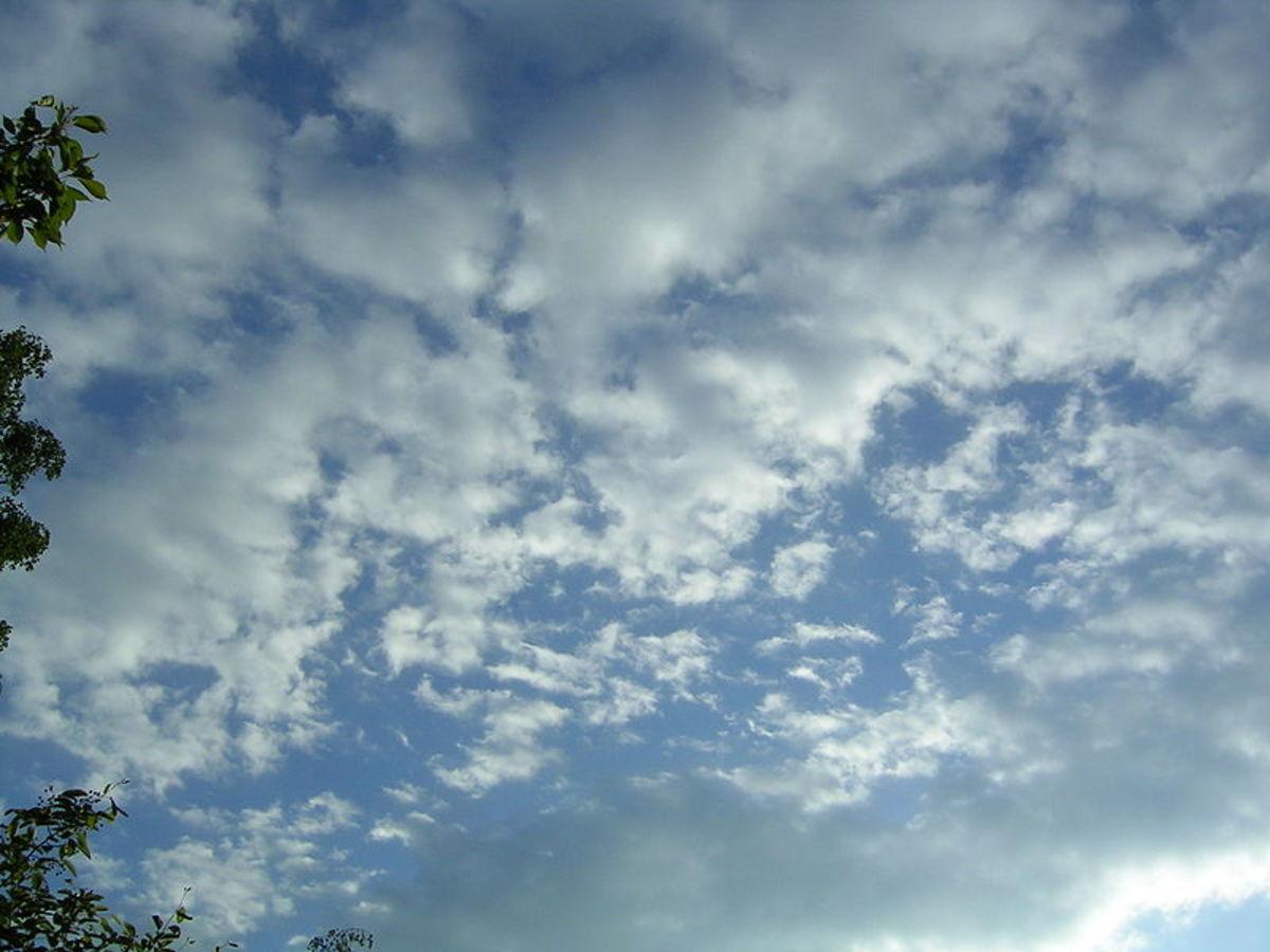 Disintegrating stratocumulus clouds
