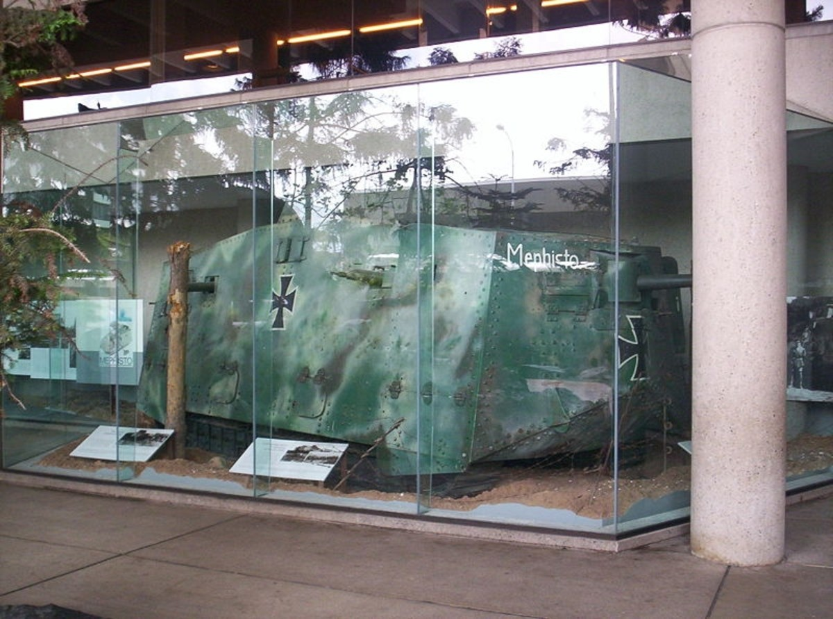 "WWI German tank ""Mephisto"" at en:Queensland Museum and at en:A7V"