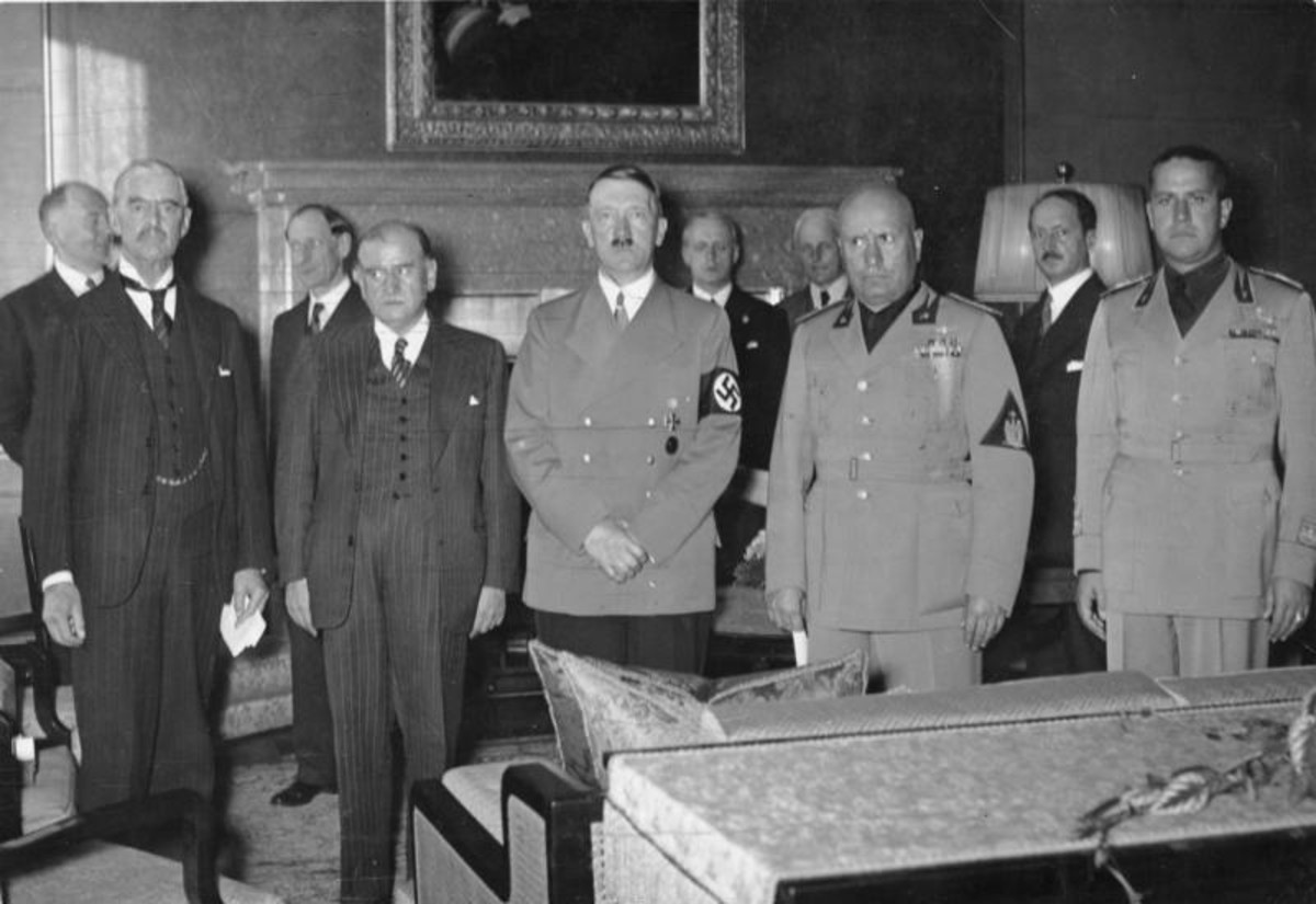 Neville Chamberlain (Britain) , Edouard Daladier (France), Adolf Hitler (Germany), Benito Mussolini (Italy), Galeazzo Ciano (Italy).  Munich Agreement, 29.9.1938