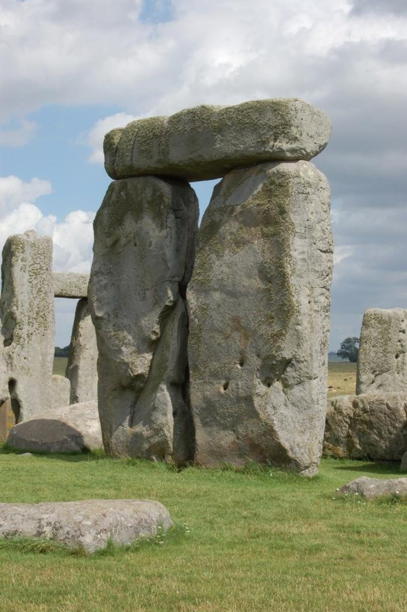 Found inside the circle of Sarsen stones were five similar but larger constructions called trilithons.