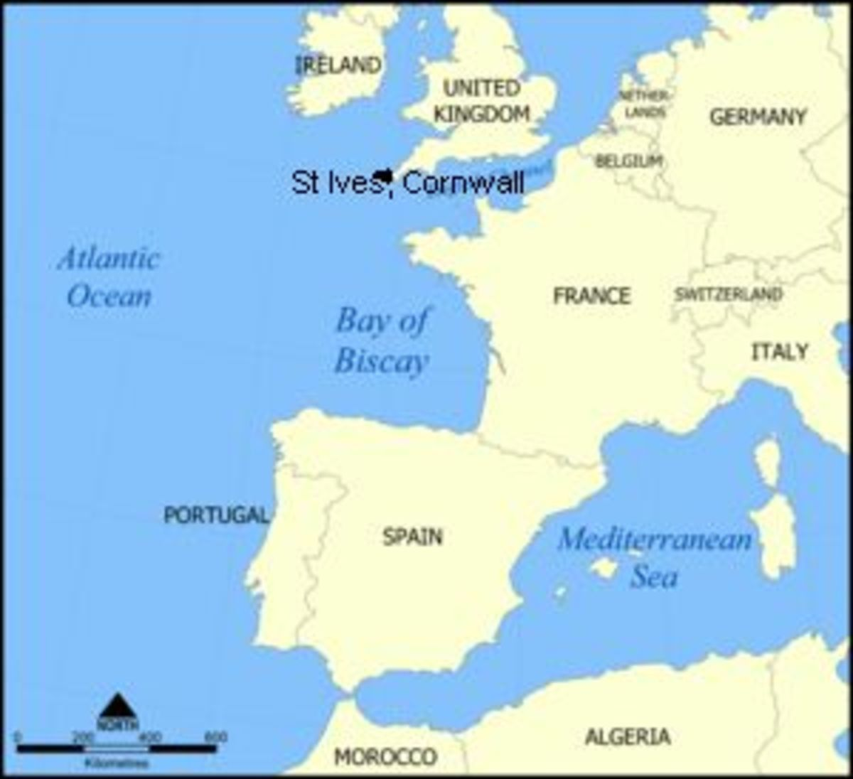 distance between Bay of Biscay, where oceanic whitetips are common, and the Cornish coastal waters
