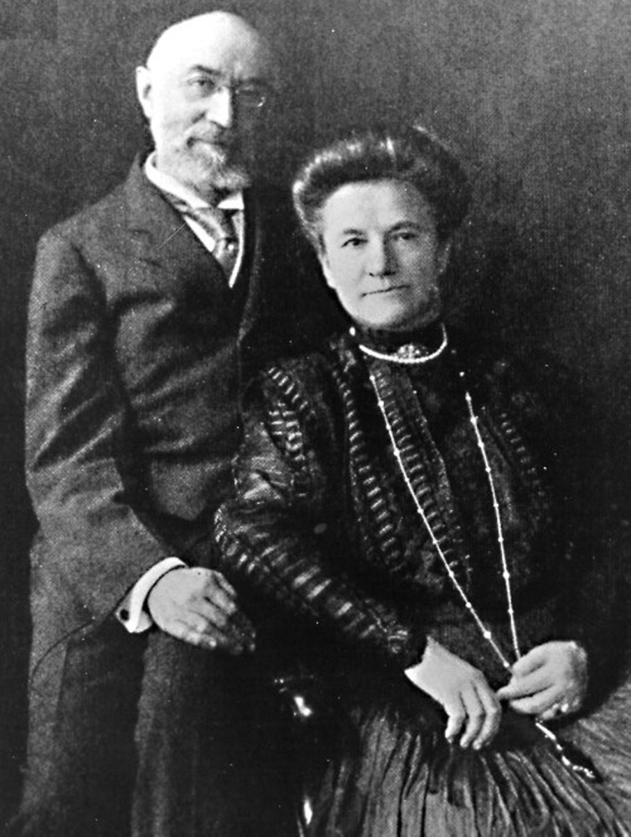 Isador and Ida Strauss - the couple who chose to go down with the ship together