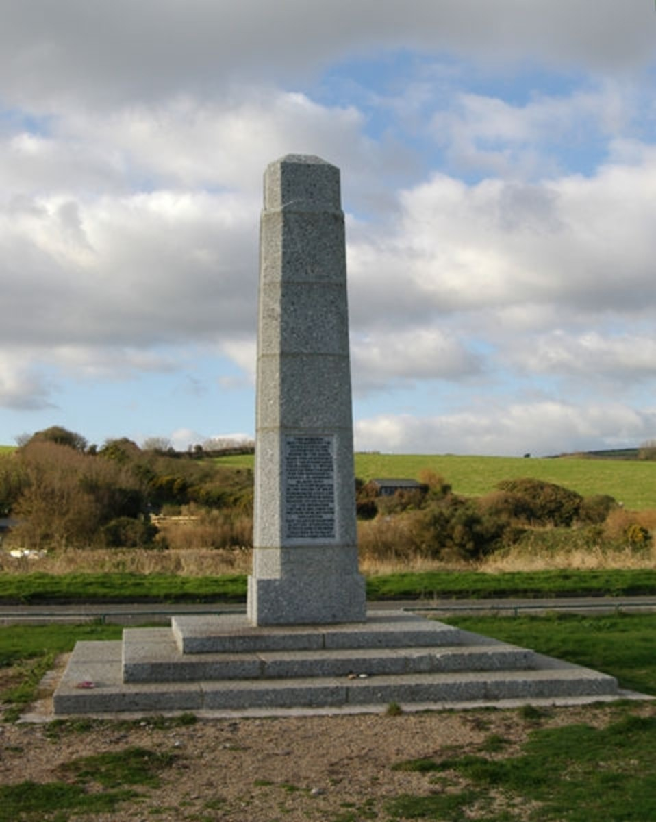 Slapton Monument, Slapton, Devon, erected by the US Government in thanks to the residents of the Slapton and Torcross area who vacated their homes for 5 months in 1944 to enable Exercise Tiger - training for the D-Day Landings - to take place.