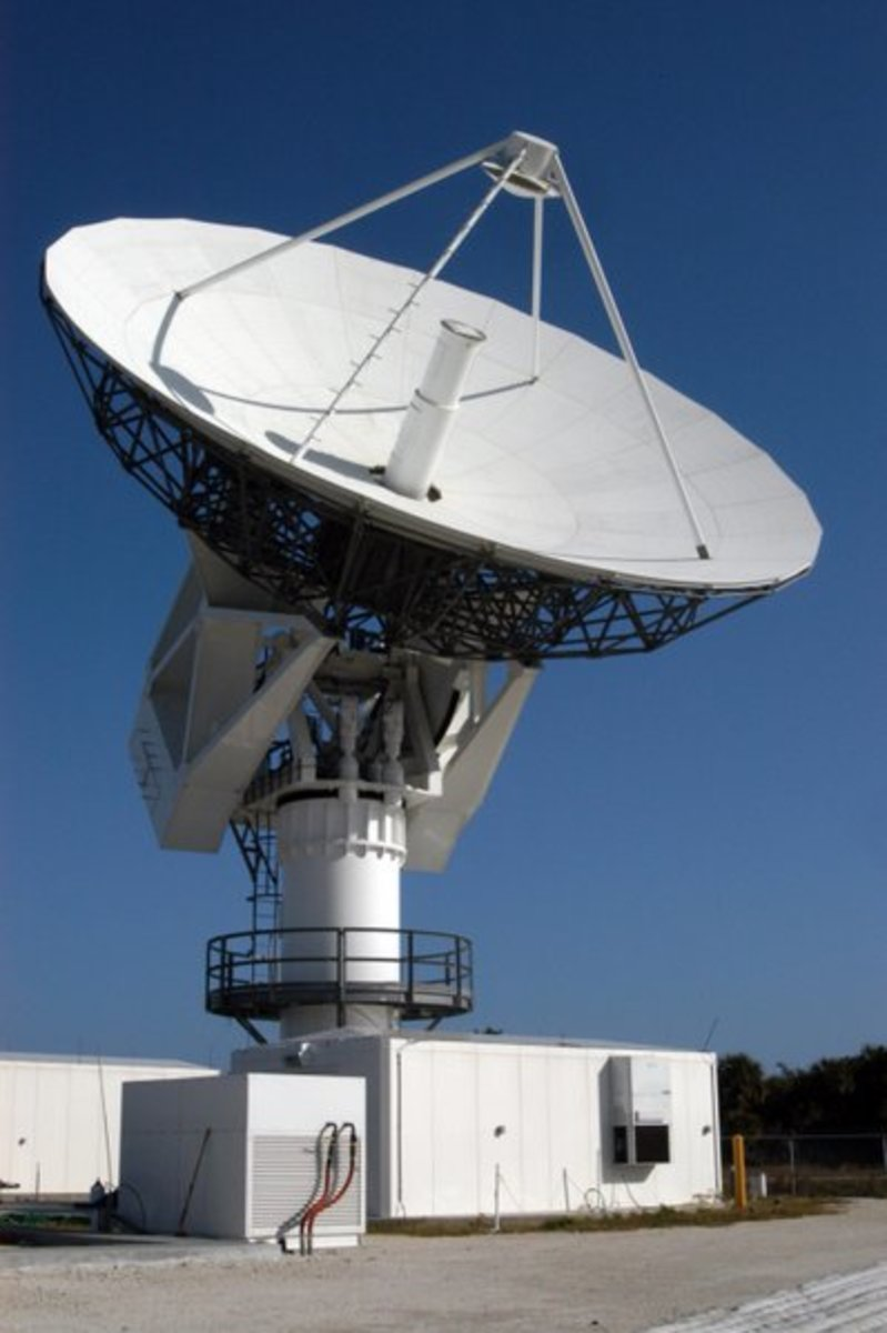 Will radio telescopes on Earth capture a possible alien communication attempt like the Wow! Signal?