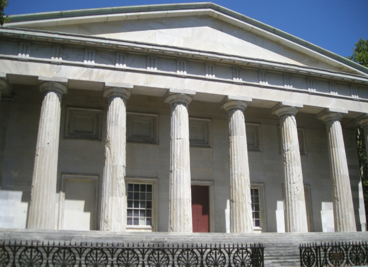 The Second Bank of the United States was built in the Greek Revival style.