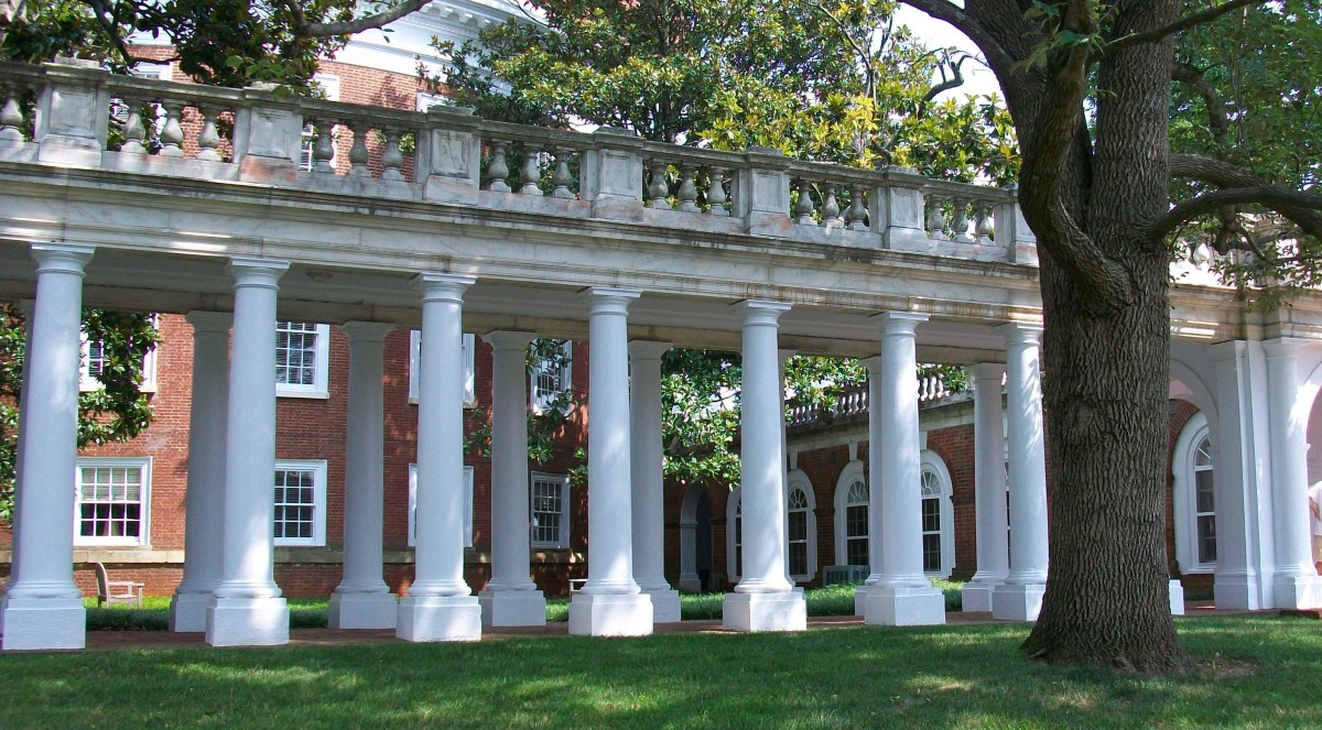 This neoclassical colonnade at the University of Virginia is part of the original campus designed in Federal style by Thomas Jefferson himself.