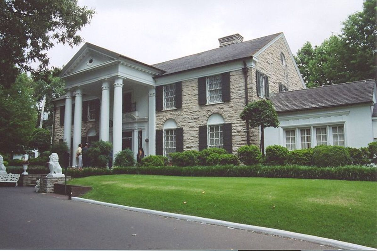 Elvis Presley's home in Memphis, Tennessee Graceland