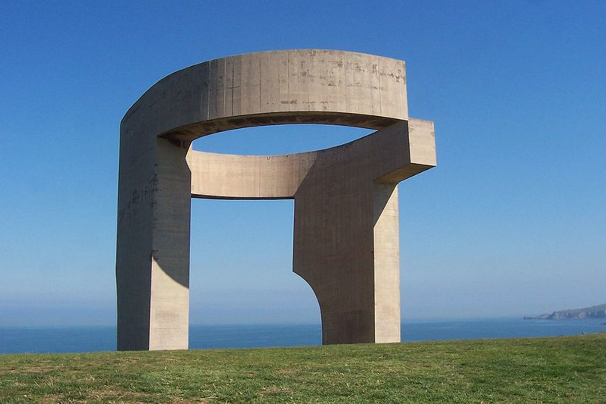 Eulogy to the Horizon by Eduardo Chillida