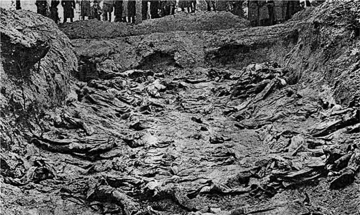 World War II: A mass grave at Katyn, 1943