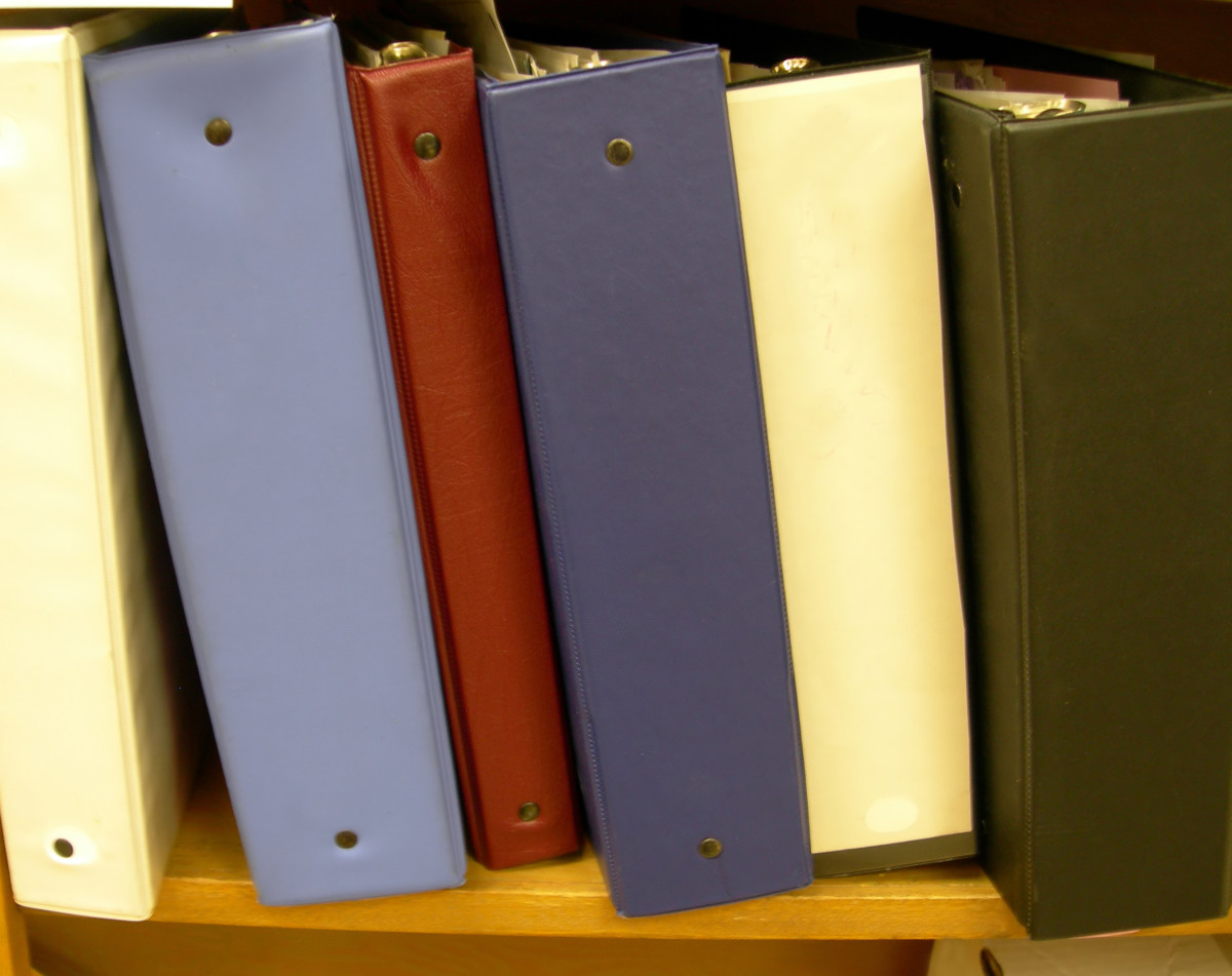 Simplify your life by keeping your lesson plans and course materials in binders.