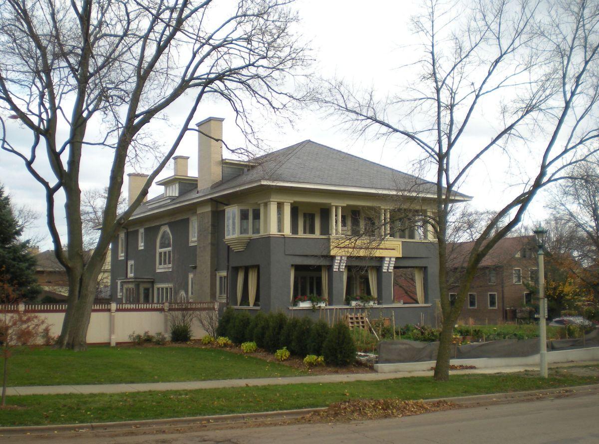Herman W. Mallen House (1905) at 300 North Euclid Avenue.