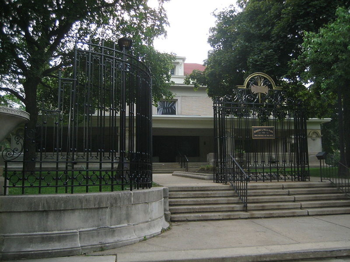 Entrance view of Pleasant Home (1897-99).