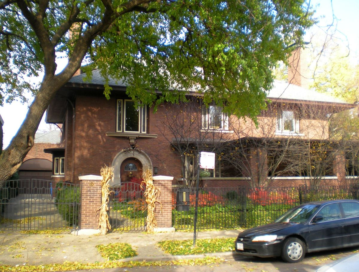 The William H. Lake House (1904) at 826 W. Hutchinson St.