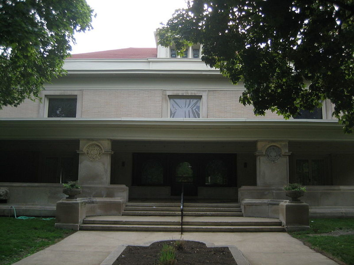 Close view of Pleasant Home entrance.