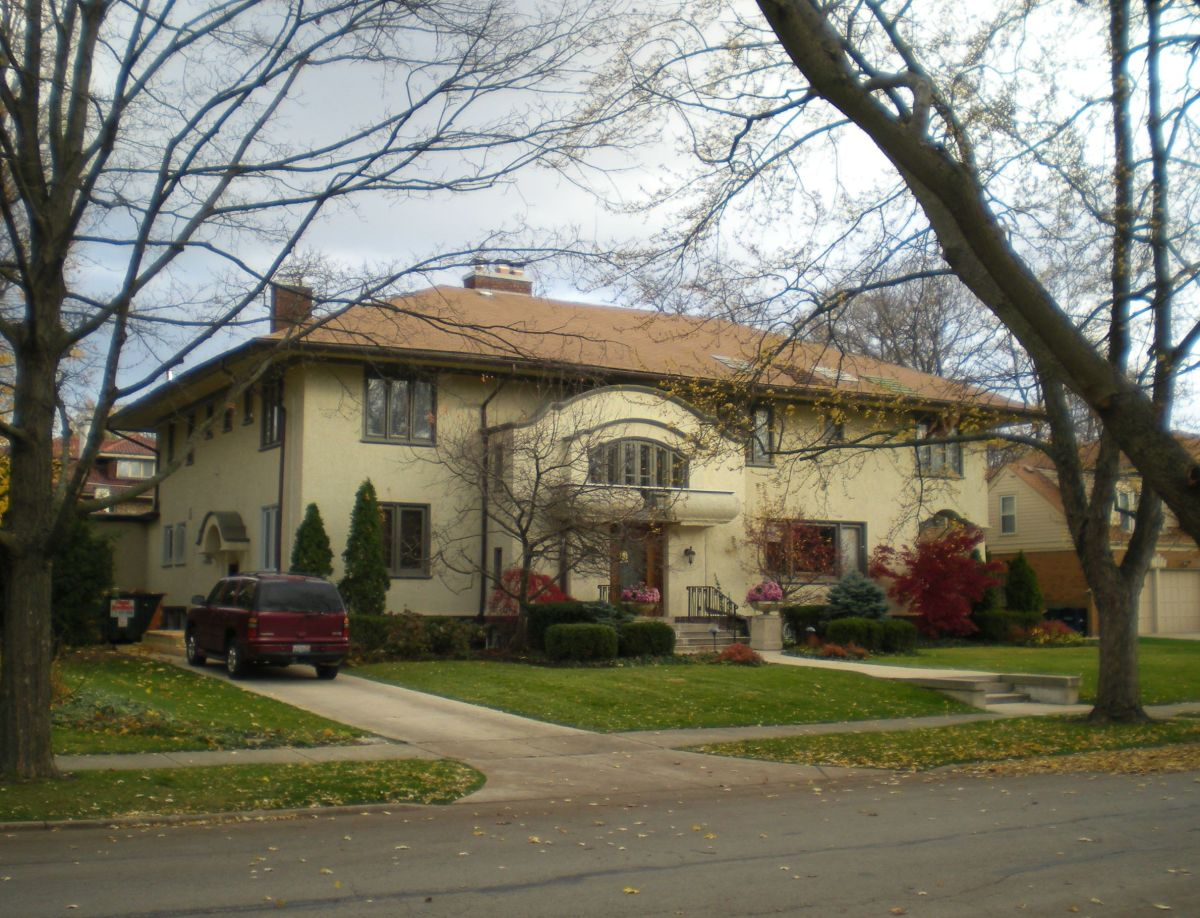Charles R. Erwin House (1905) at 530 North Euclid Avenue.