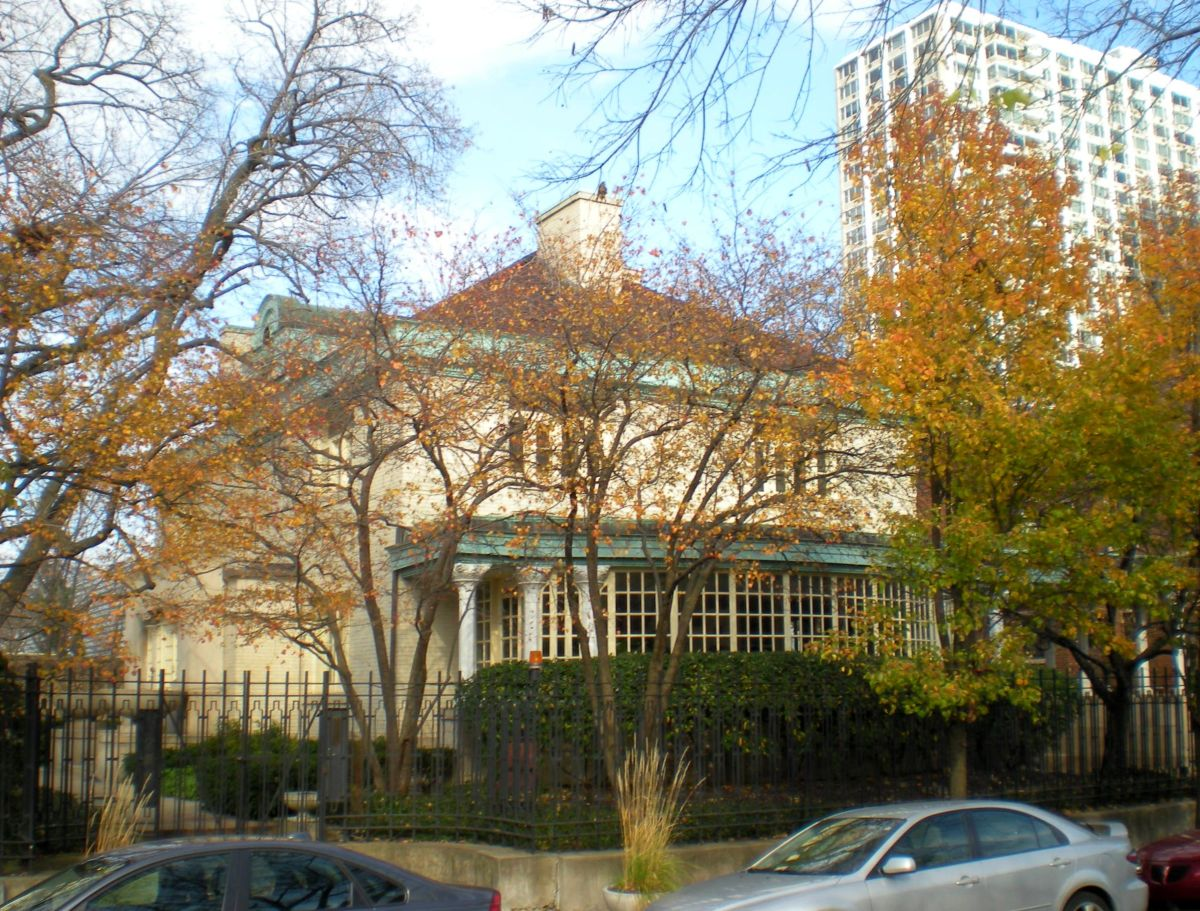 The Edwin J. Mosser House (1902) at 750 W. Hutchinson St.