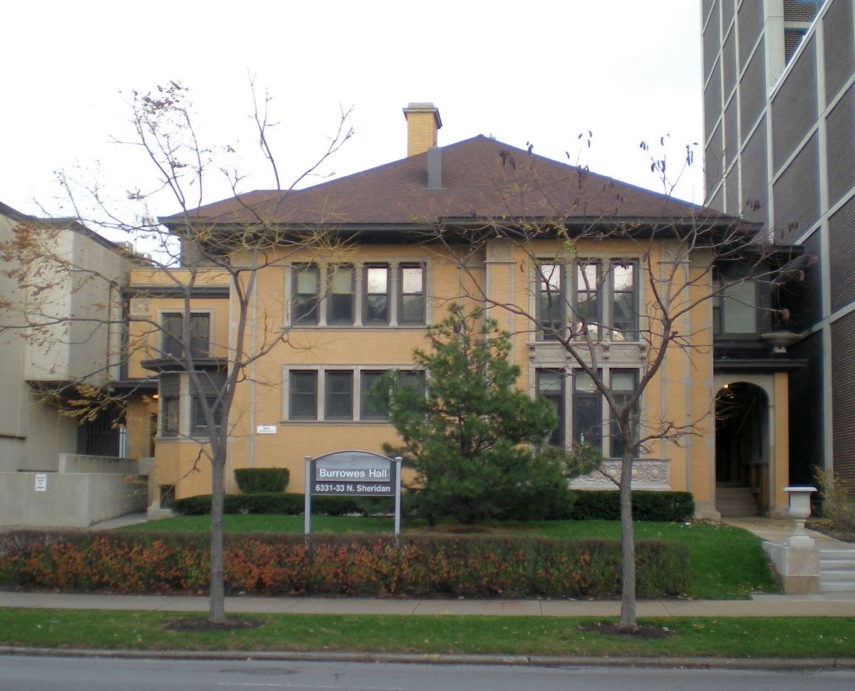 Adolph Schmidt House (1917) at 6331 N. Sheridan Road, on the shore of Lake Michigan.