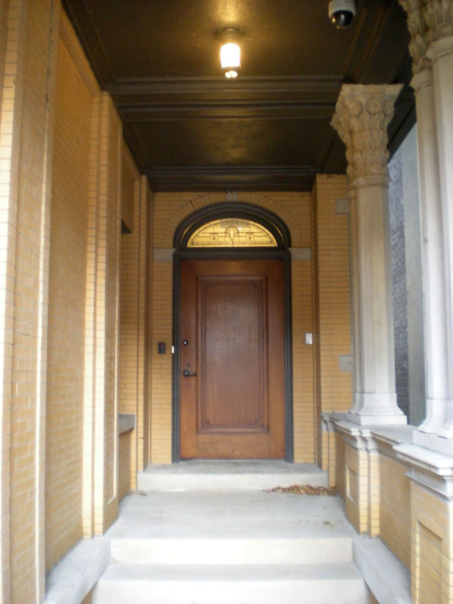 Doorway of 6331 N. Sheridan Road.