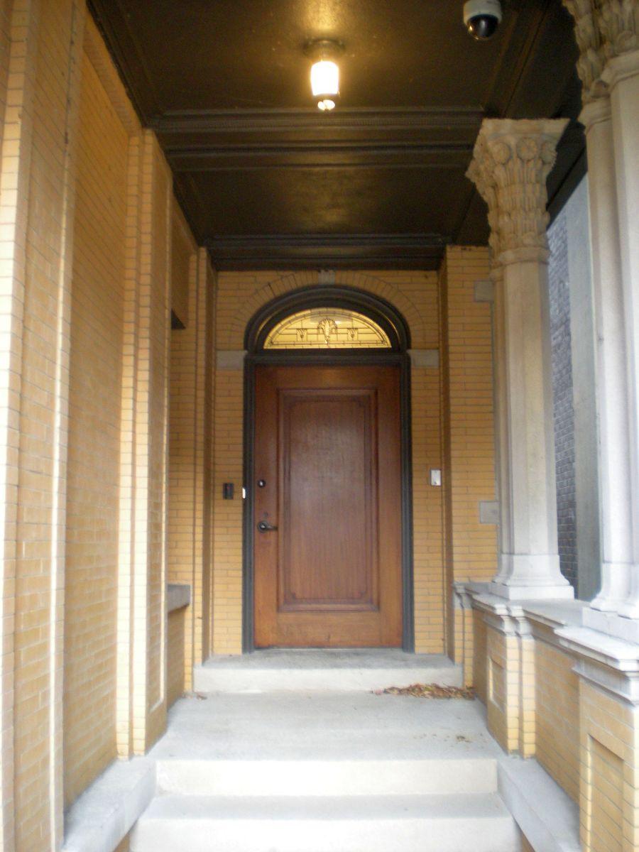 Doorway of 6331 N. Sheridan Road.
