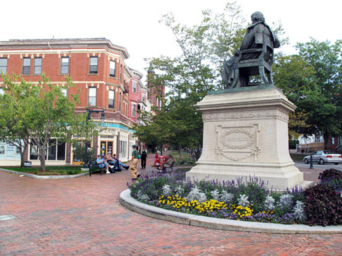 Statue of Henry Wadsworth Longfellow in Portland, Maine